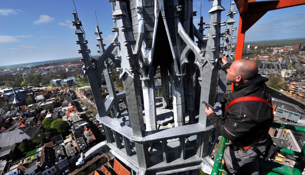 Restauratie op 80 meter hoogte