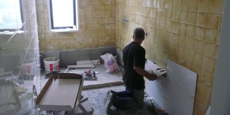 Vier finalisten wedstrijd snelle badkamer renovatie mitros - Badkamer presentatie ...