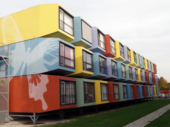 Amsterdam bouwt 1000 woningen voor vluchtelingen en studenten