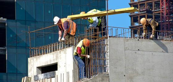 Bouwvakkers ingezet in strijd tegen gevaarlijke bouwplaats