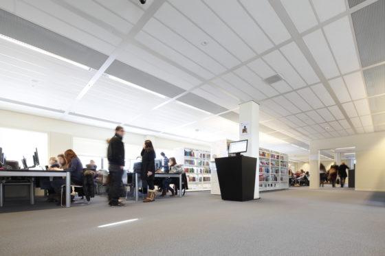 Leeg kantoor biedt  alternatief voor  scholenbouw