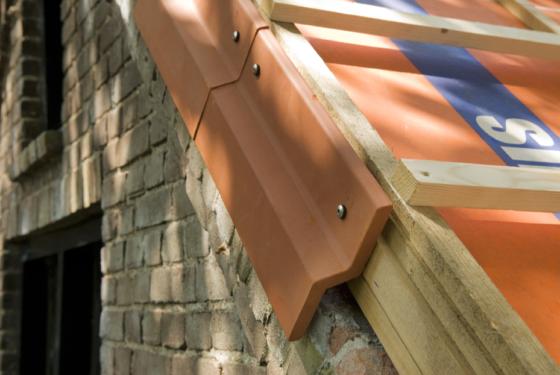 Wienerberger introduceert keramisch gevelaansluitprofiel