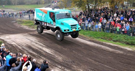 Nederlandse truckers staan goed 'gesmeerd' klaar voor Le Dakar