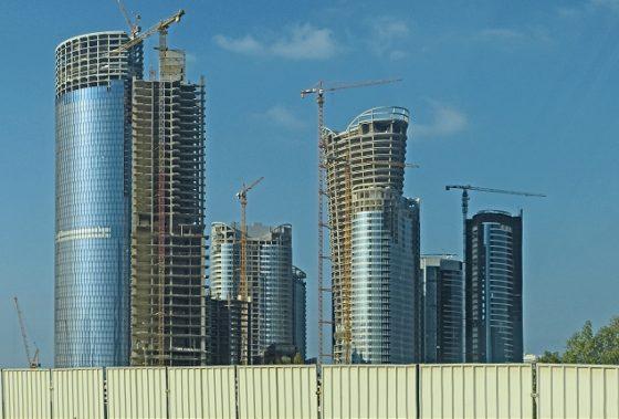 Abu Dhabi streeft Dubai tijdelijk voorbij op bouwgebied