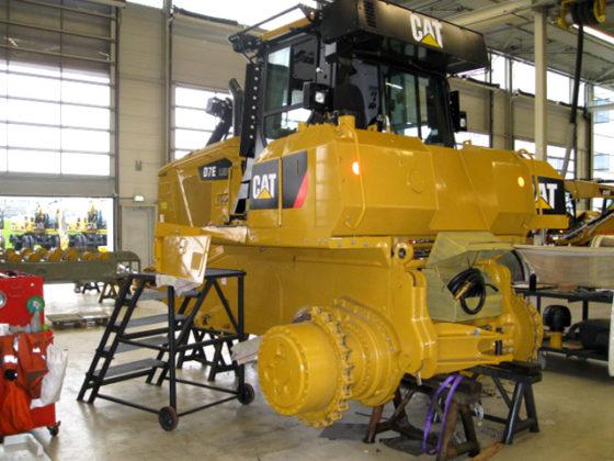 Elektrische CAT bulldozer wordt opgebouwd voor Boskalis