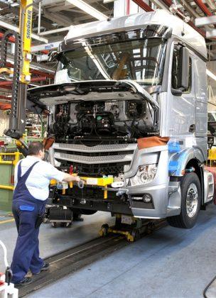 Mercedes-Benz start serieproductie geheel opnieuw ontwikkelde Actros