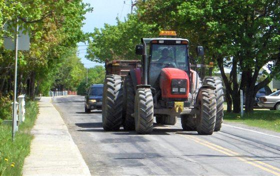 Tractoren krijgen eindelijk verplicht kenteken