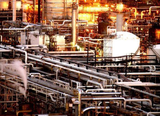 Werken met verreiker in petrochemie