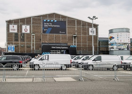 Mercedes traint in Amsterdam wereldwijde Vito-dealers