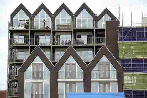 Beleggers stuwen woningbouw Amsterdam