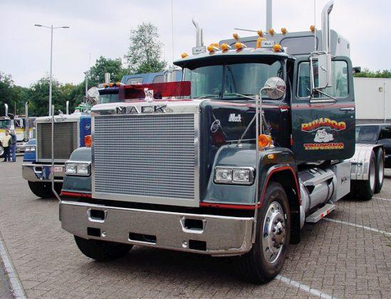 Mack & Speciaal Transportdag verhuist naar Amsterdam