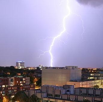 Onweer en plensbuien zorgen voor grote schade