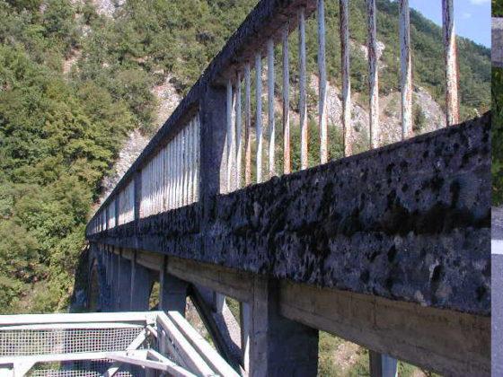 SUREbridge pakt oude betonnen bruggen in met kunststof