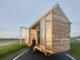 Ollongren plaveit weg voor verplaatsbare woningen: 'Kan stimulans zijn voor innovatie in de bouw'