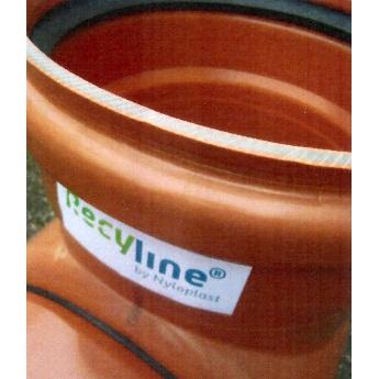 Pvc-buis met hulpstukken uit gerecycled materiaal