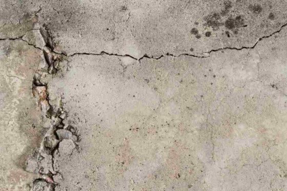 Na asfalt en beton volgen meer zelfhelende materialen