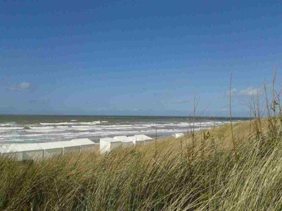 Provincie positief over strandhuisjes