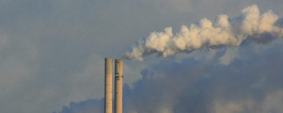 Groei mondiale uitstoot CO2 staat bijna stil