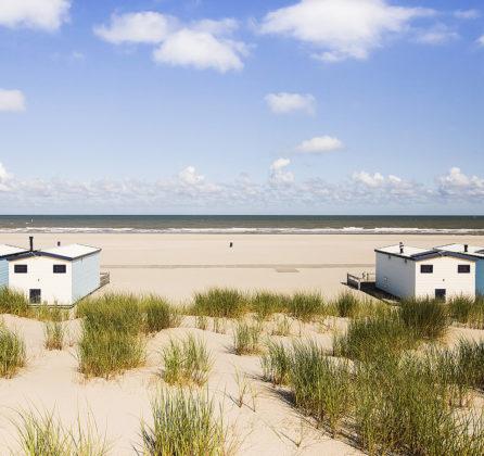 Strandhuisjes Hoek van Holland blijven staan