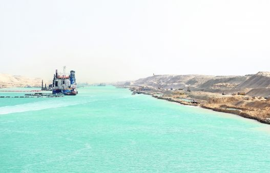 Kritiek op baggeraars Suez-project