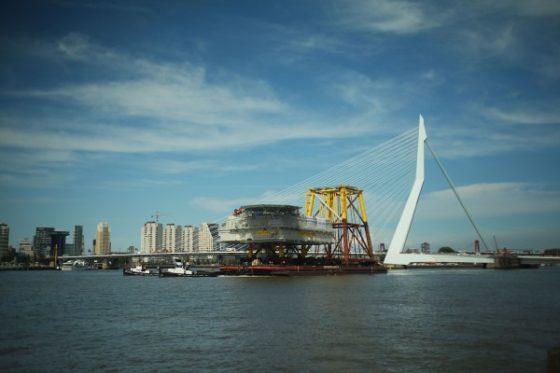 Uitvaren onderstation voor windmolenparken op zee