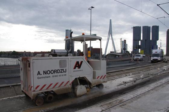 XL Lezersfoto: railvernieuwing Erasmusbrug