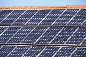 'Vier miljoen zonnepanelen geïnstalleerd'