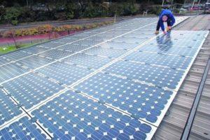 Den Haag kan hausse subsidie-aanvragen zonnepanelen niet aan