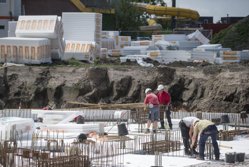 Pellikaan bouwt en onderhoudt nieuw zwembad