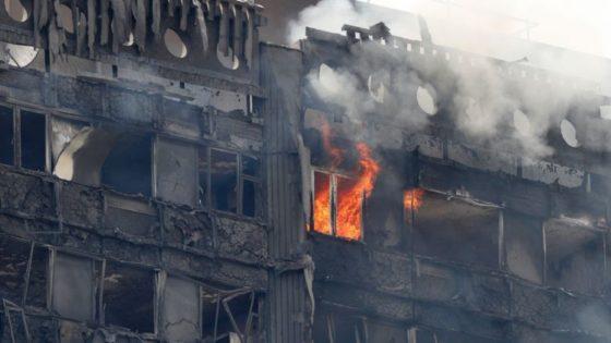 Zeshonderd Engelse flats met brandbare gevelbekleding