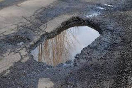 Centraal Beheer: bezuinigingen op onderhoud wegen door gemeentes leiden tot steeds meer schades