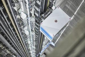 Magneetzweeflift krijgt wereldprimeur in toren van OVG