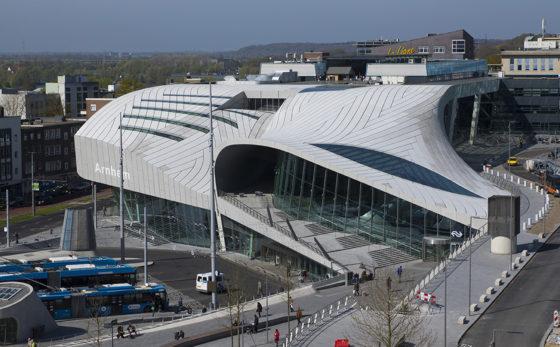 Dak station Arnhem lek door 'sabotage'