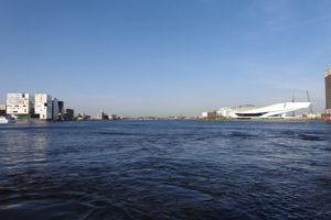 Amsterdam gaat voor fietsbrug over het IJ