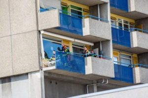 Borstwering balkon breekt af in Roosendaal