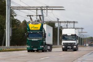 Met bovenleiding rijdt hybride vrachtwagen schoner en stiller