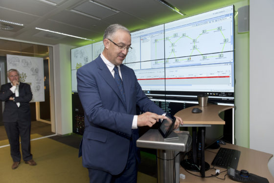 Joulz Smart Grid Center geopend door Burgemeester Aboutaleb