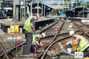 Smeerpotten in de strijd tegen piepende spoorbochten
