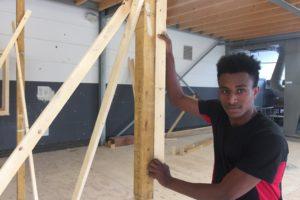 Timmerman wil hij worden, net als zijn vader in Eritrea