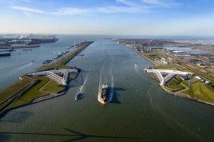 Nieuwe Waterweg moet nog 1,5 meter dieper: Baggeraar(s) gezocht