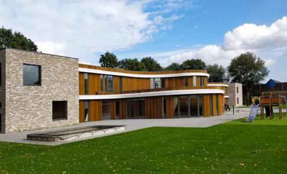 Pensioenfondsen zien heil in plan Wientjes om te investeren in schoolgebouwen