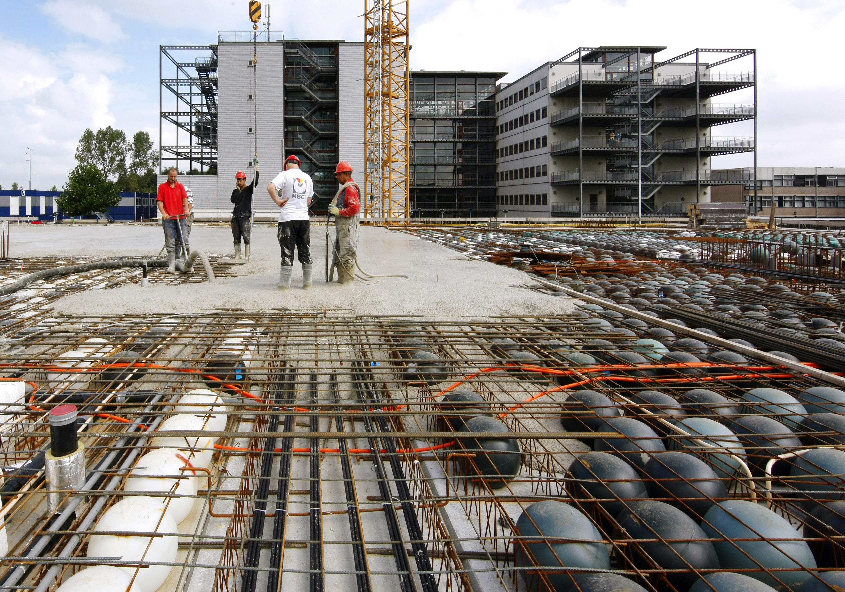 Gebouw X in Zwolle, tijdens de bouw.