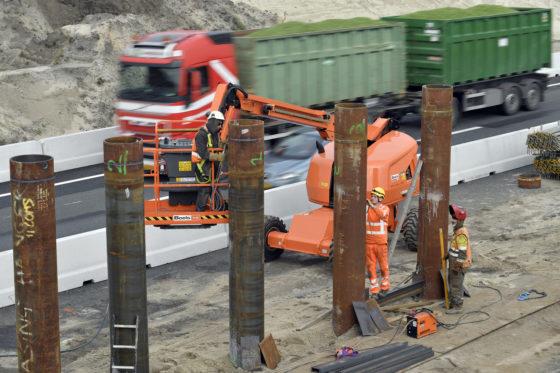 Rijkswaterstaat plaatst installaties voor pompproef bij A27/A12