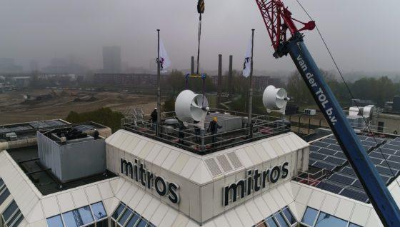 Mitros wil windmolens op woningen bouwen