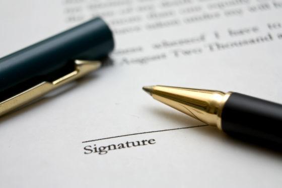 Ontbreken handtekening maakt aanbesteding niet altijd meer ongeldig