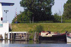 Groot onderhoud voor bruggen en sluizen Flevoland
