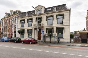Rijksvastgoedbedrijf zet pronkjuweel Alkmaar in de verkoop