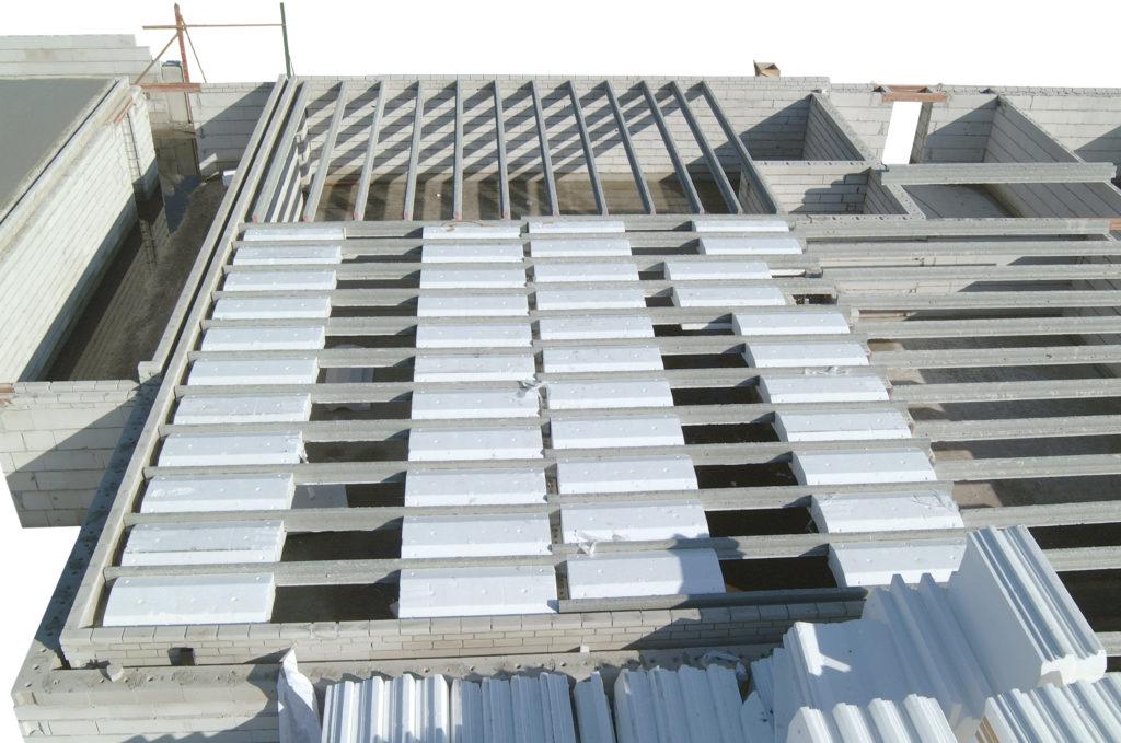 Vleugelplaatvloer: combinatie tussen kanaalplaatvloer en breedplaatvloer