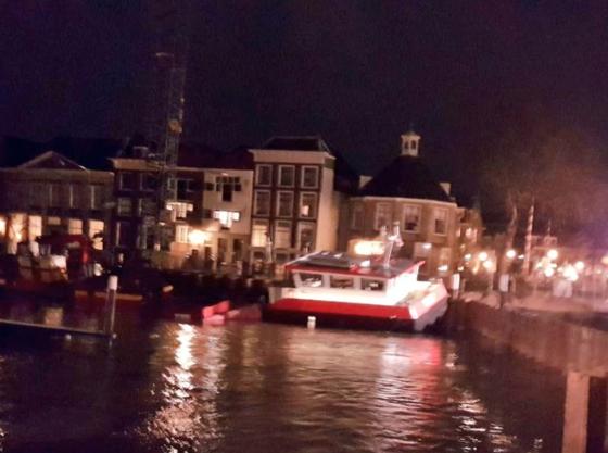 Kraan dreigt om te vallen in centrum Dordrecht