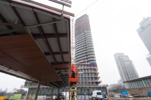 MRP Development ontwikkelt 200 huurwoningen naast Amstelstation